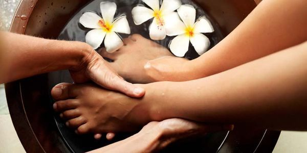 Awesome Foot Massage Techniques – How To Massage Feet Therapy Basics